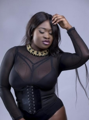 Sista Afia - Tribute To Ebony